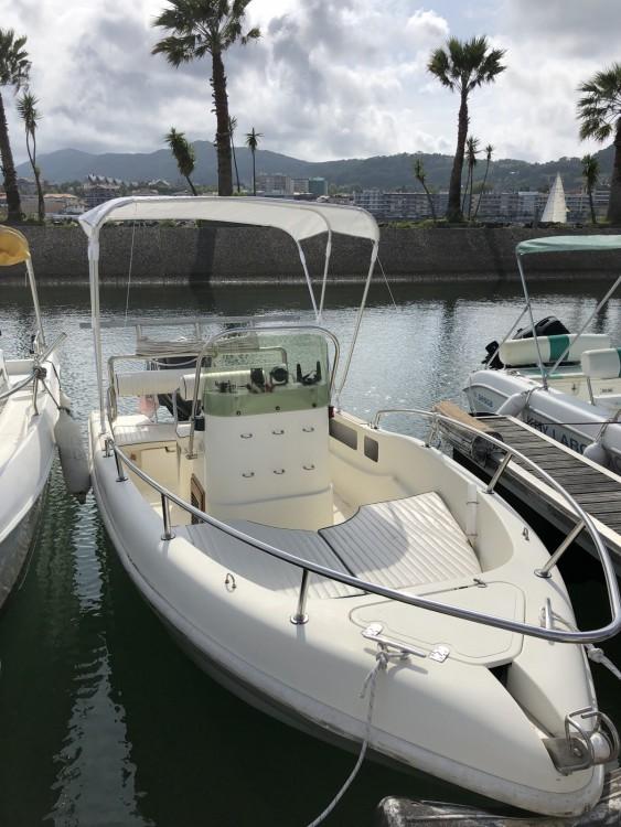 Rental yacht Hendaye - Futurama 500 on SamBoat