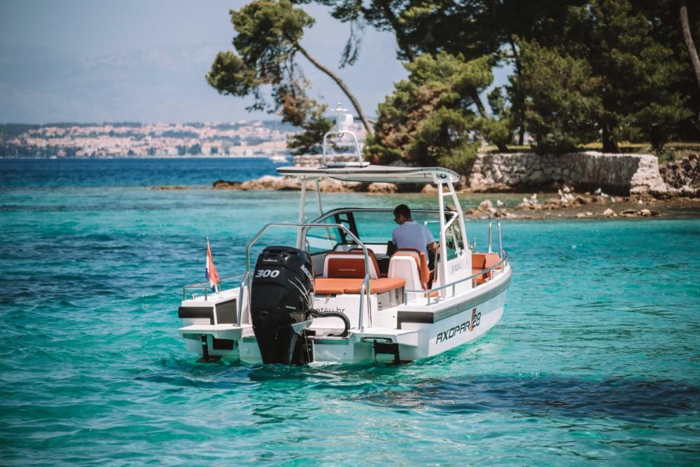 Rent a Axopar 28 T-Top Grad Zadar