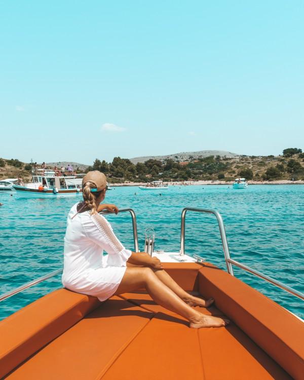 Rental yacht Grad Zadar - Axopar 28 T-Top on SamBoat