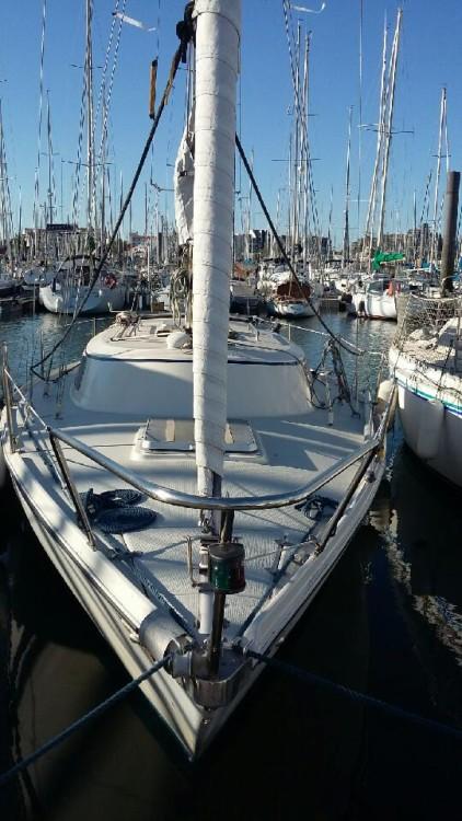 Rental Sailboat in La Rochelle - Jeanneau Poker