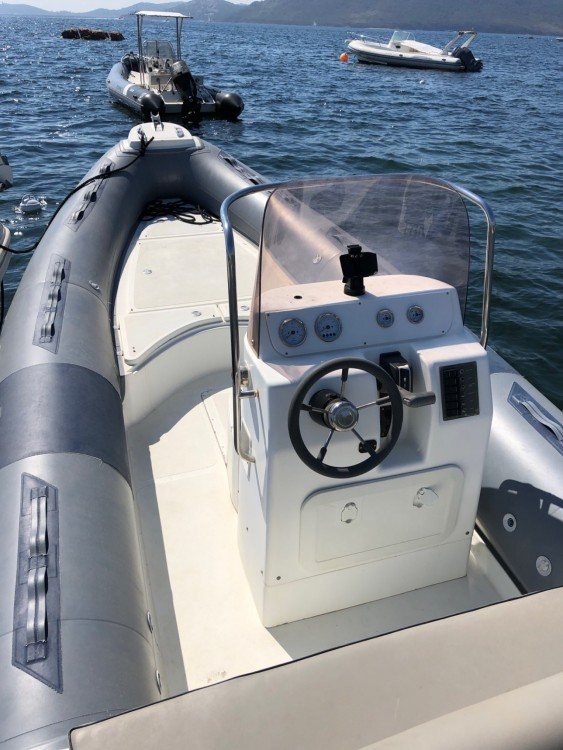 Rental RIB in Toulon - Nadir G22