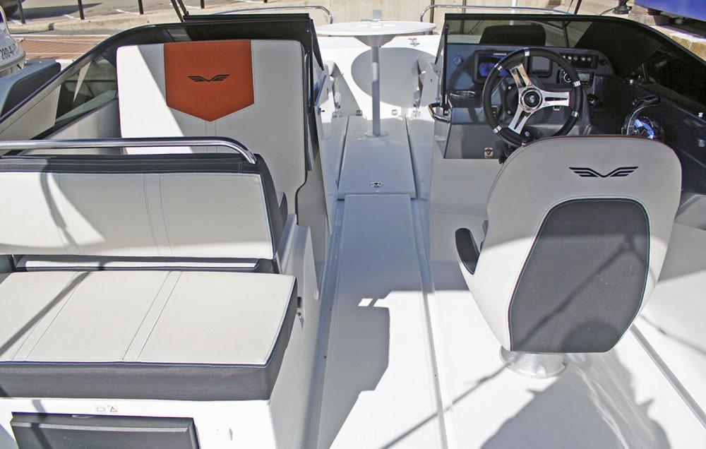 Boat rental Bénéteau Flyer 7.7 Spoertdeck in Torroella de Montgrí on Samboat