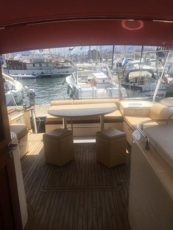 Rent a Abati Lobster portland 55 Palermo