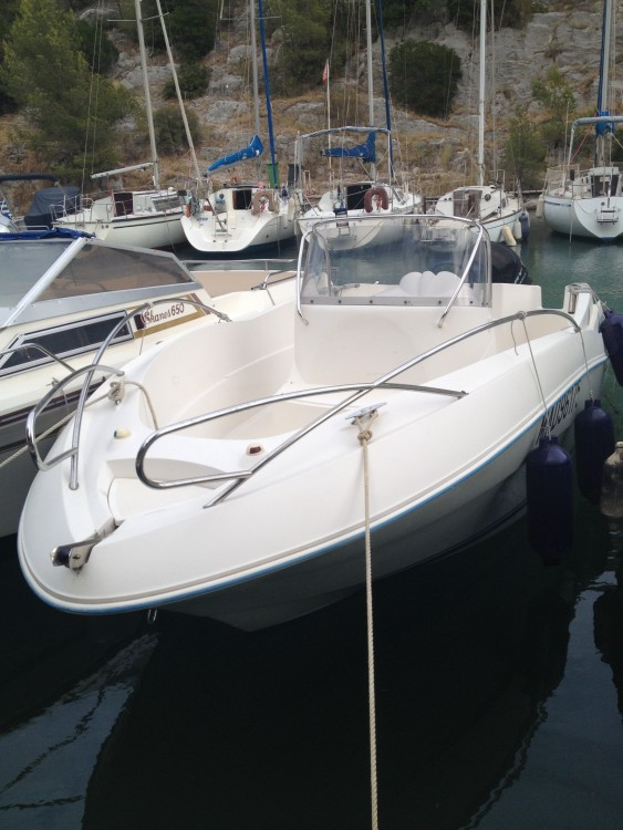 Hire Motorboat with or without skipper Quicksilver Cassis