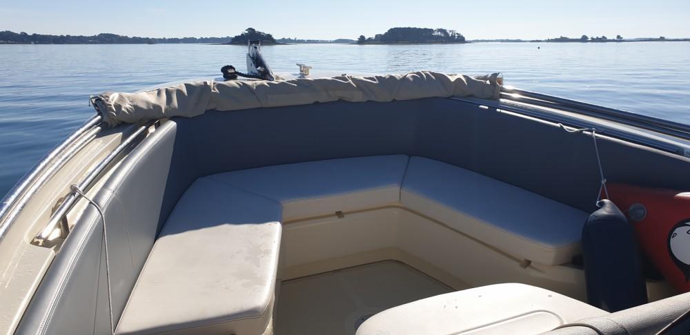 Rental Motorboat in Vannes - Invictus  Invictus 240 FX
