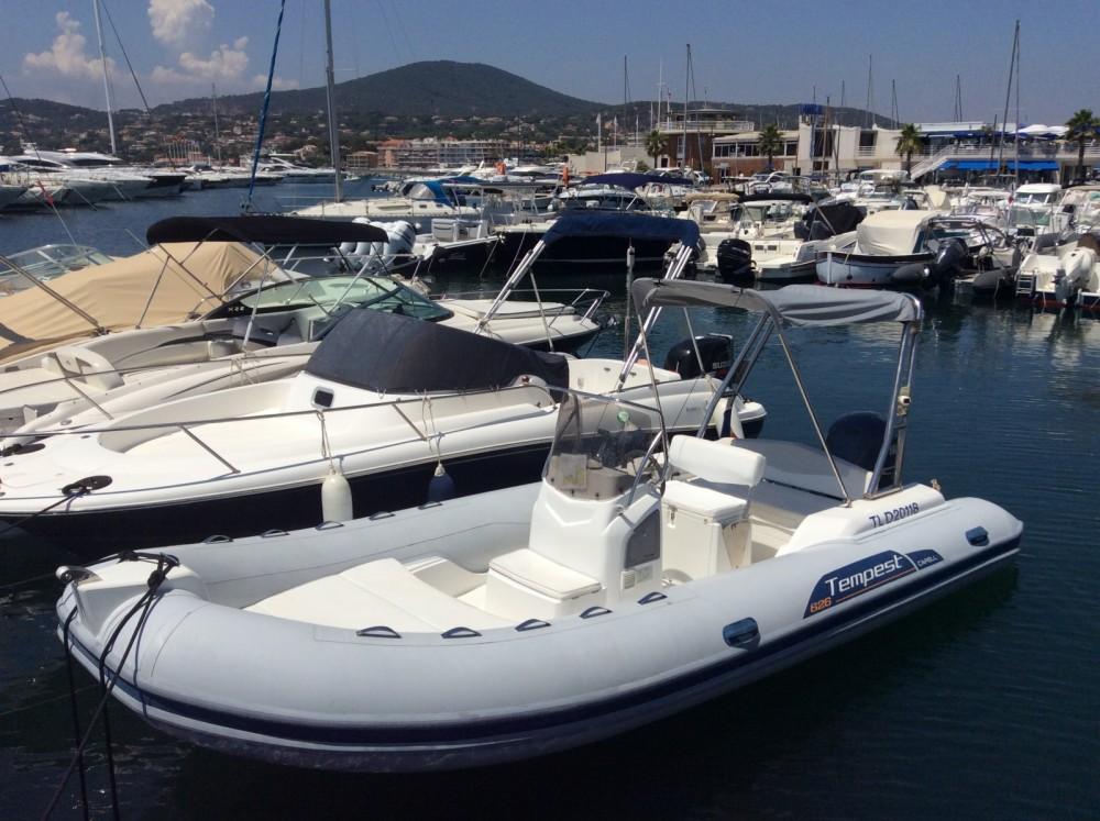 Boat rental Capelli Tempest 626 in Fréjus on Samboat