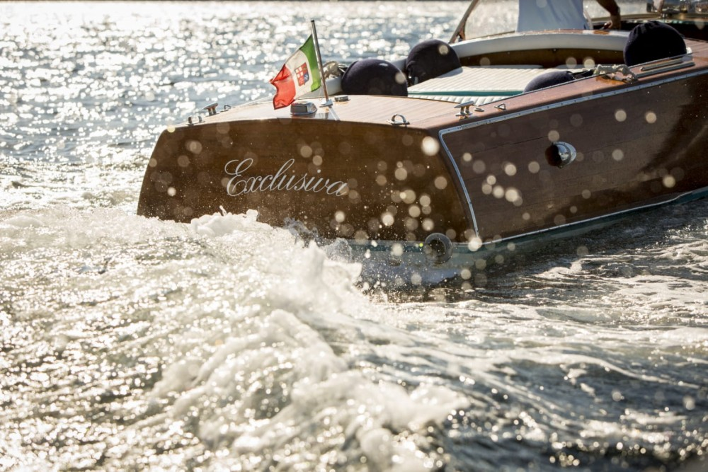 Rental Motor boat Riva with a permit