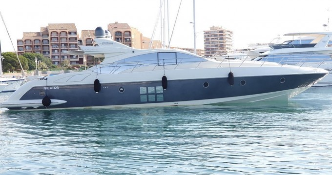 Rental yacht Fréjus - Azimut 68S on SamBoat