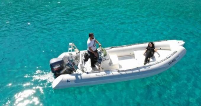 Boat rental Rib 600 in Chóra Sfakíon on Samboat