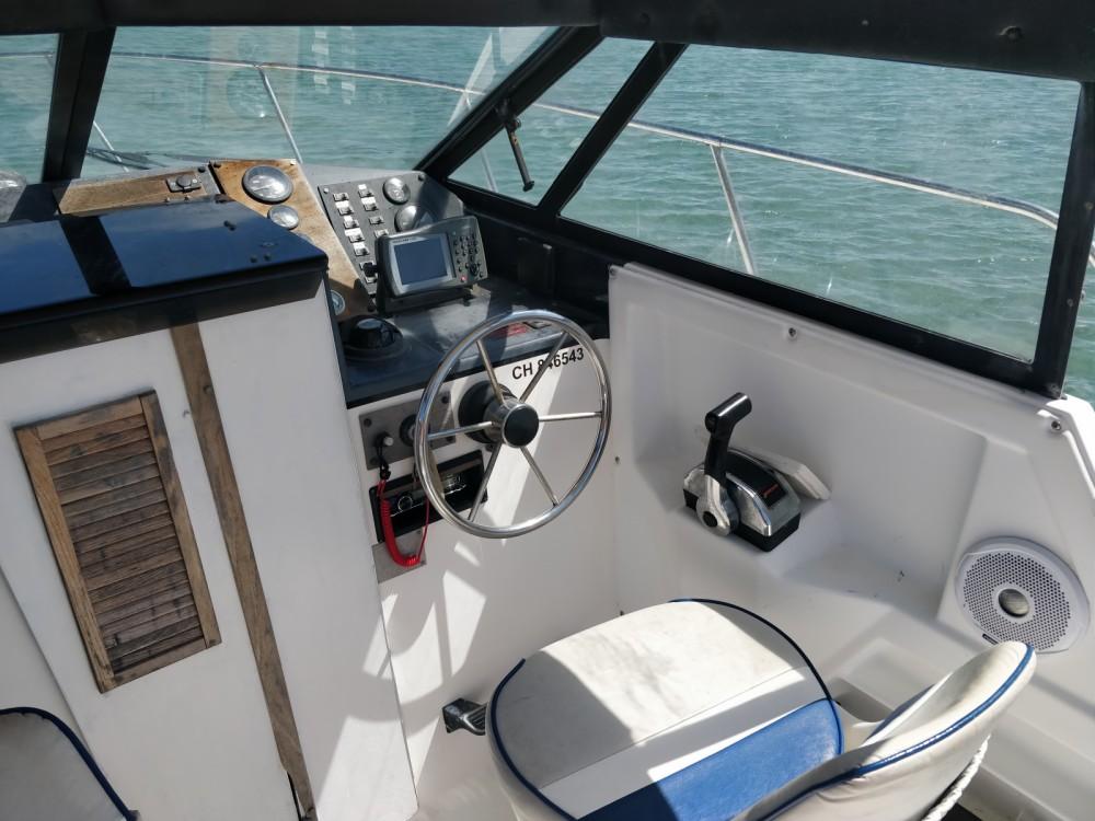 Motorboat for rent Arradon at the best price