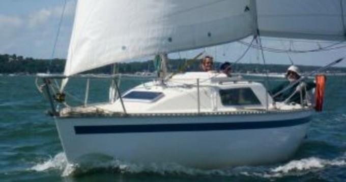 Boat rental Jouet Jouët 680 DI in Arcachon on Samboat
