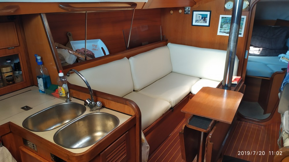 Hire Sailboat with or without skipper Jeanneau Saint-Raphaël