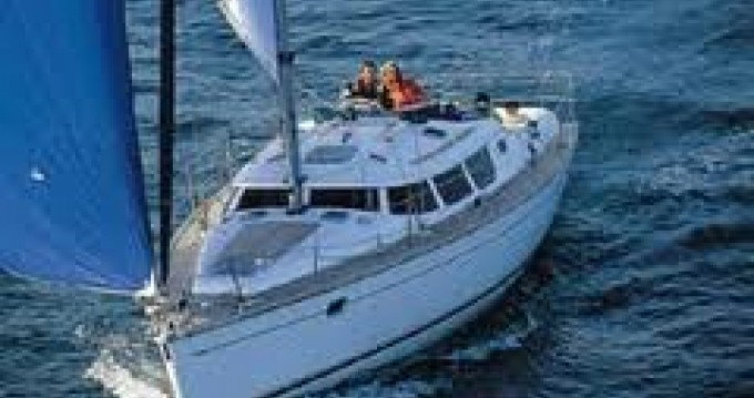 Sailboat for rent San Adrian de Cobres at the best price
