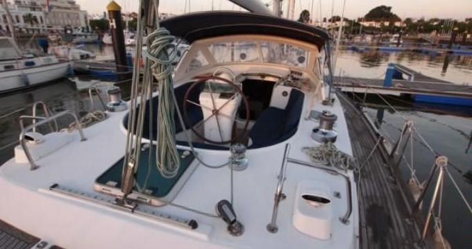 Rental yacht Aldán - Bénéteau Oceanis 44 CC on SamBoat