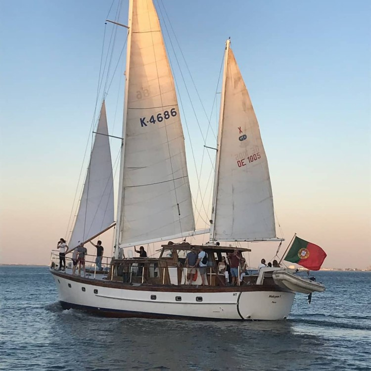 Boat rental G. L. Watson 55'' classic wooden yacht in Lisbon on Samboat