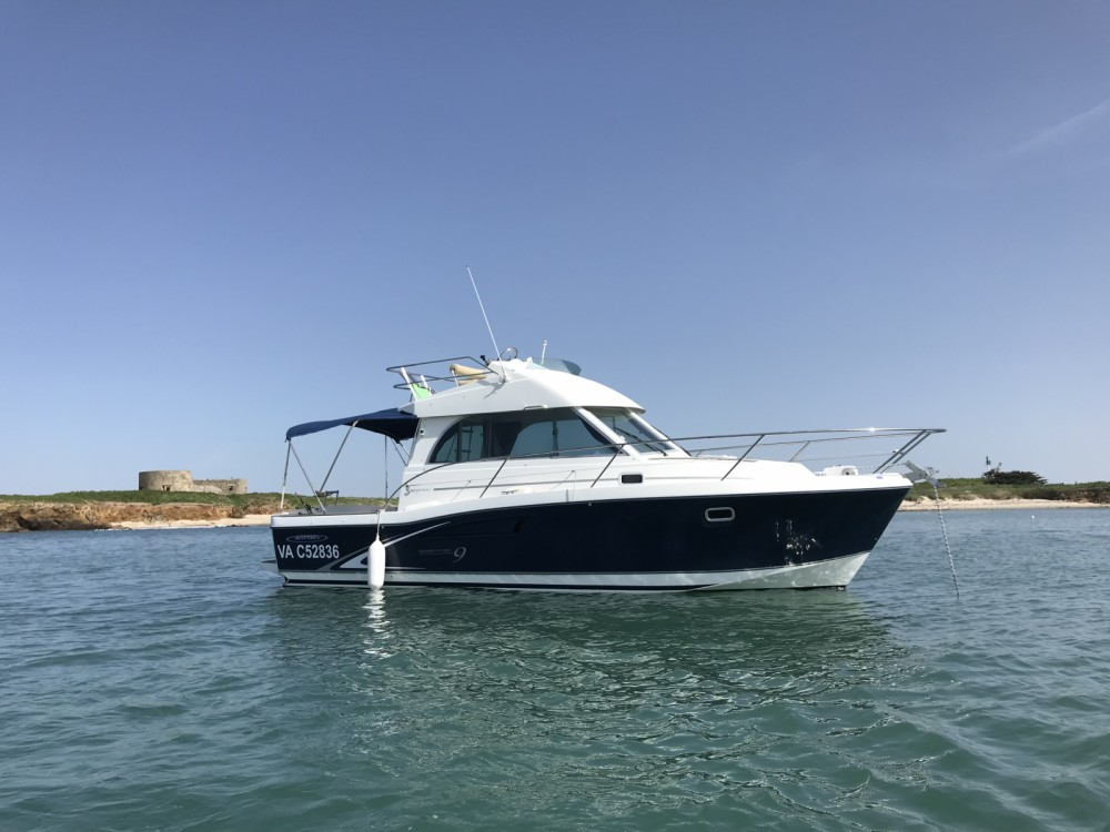 Boat rental Arzon cheap ANTARES Serie 9