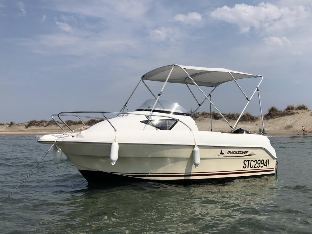 Rental Motor boat in Le Grau-du-Roi - Quicksilver Cruiser