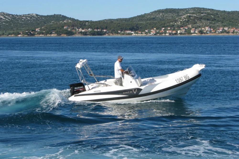 Boat rental Zar Formenti Mako 58 in Grad Biograd na Moru on Samboat