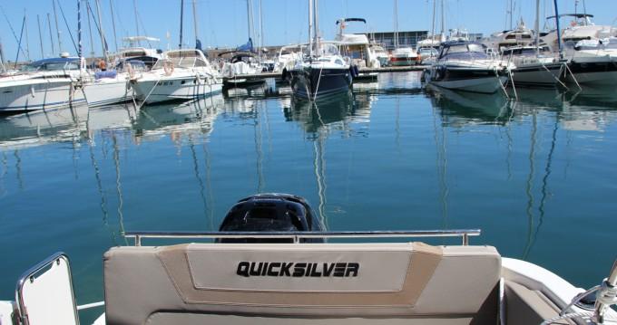 Boat rental Quicksilver Activ 805 Sundeck in Villajoyosa on Samboat