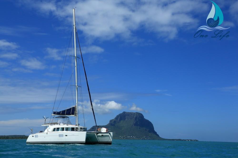 Rental yacht Black River - Lagoon Lagoon 440 on SamBoat