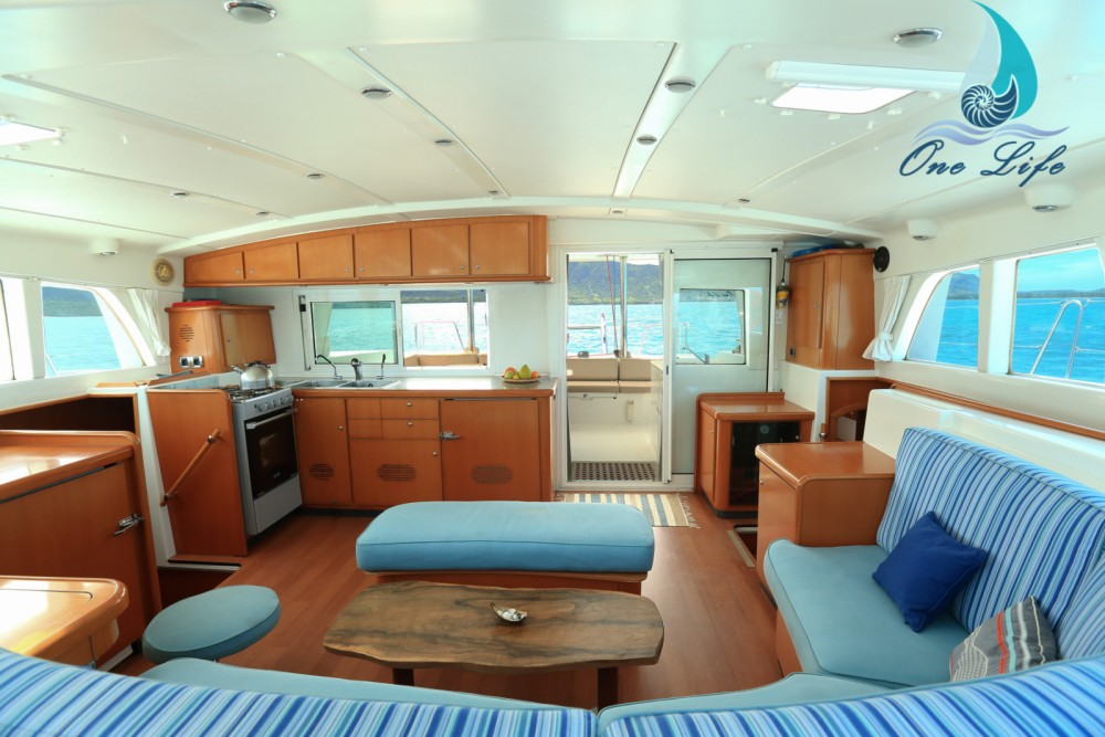Rental Catamaran in Black River - Lagoon Lagoon 440