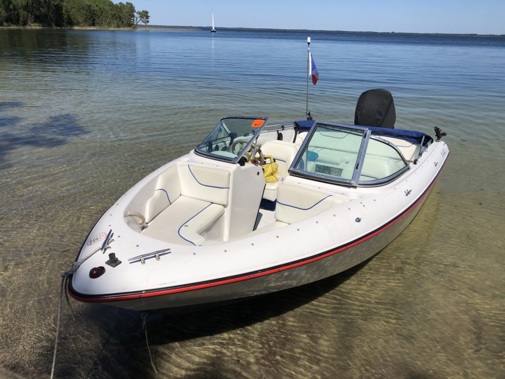 Rental Motorboat Sunbird with a permit