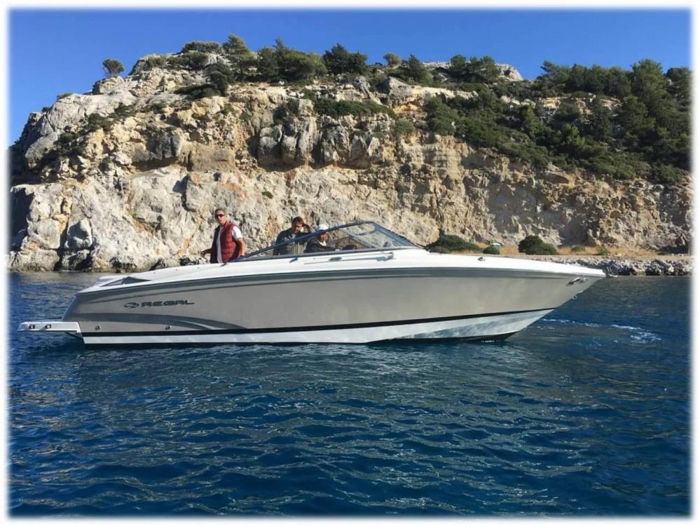 Boat rental Régal 2700 Bowrider in Aegean on Samboat