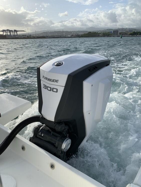 Rental Motorboat Bénéteau with a permit