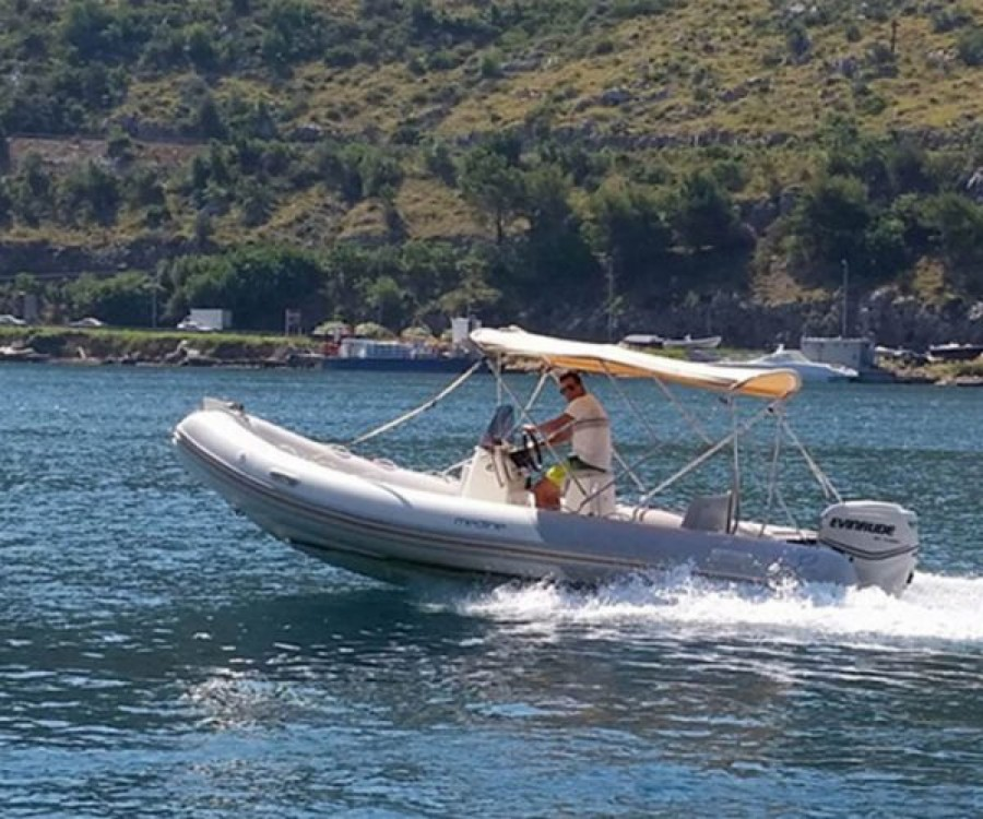Boat rental Dubrovnik cheap Medline 580