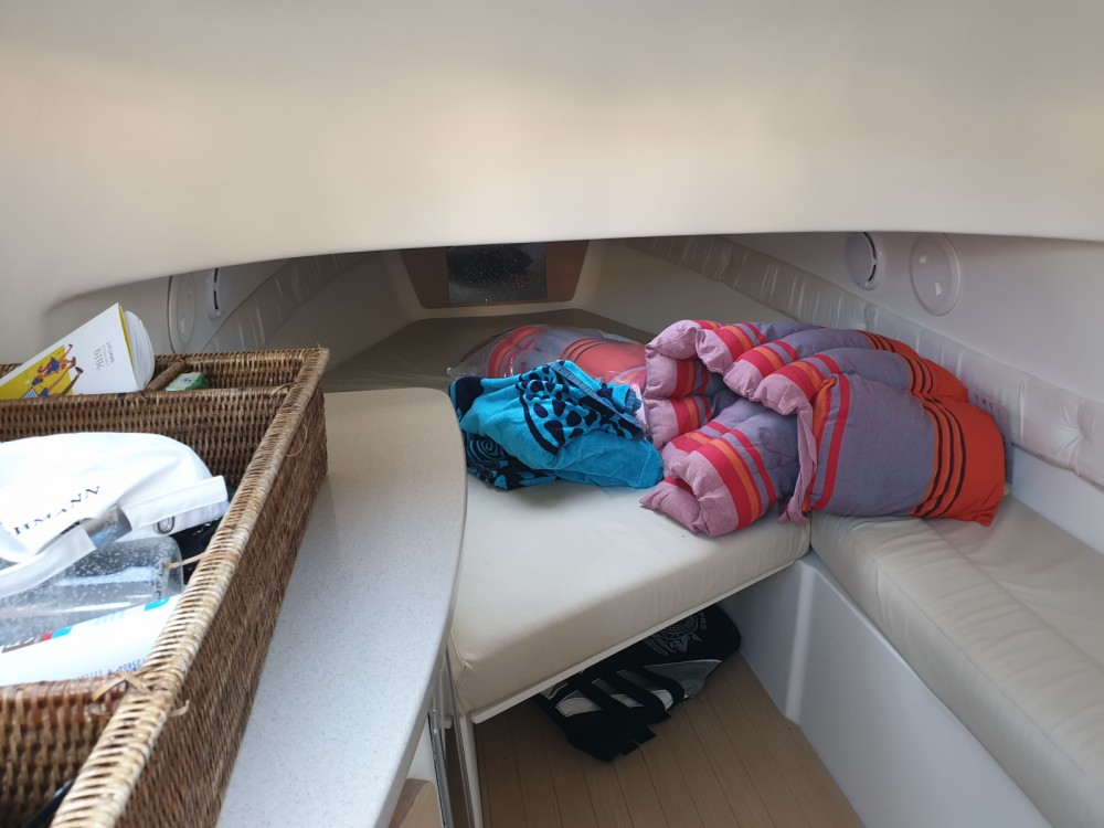 Rental yacht Grimaud - Capelli Tempest 900 on SamBoat