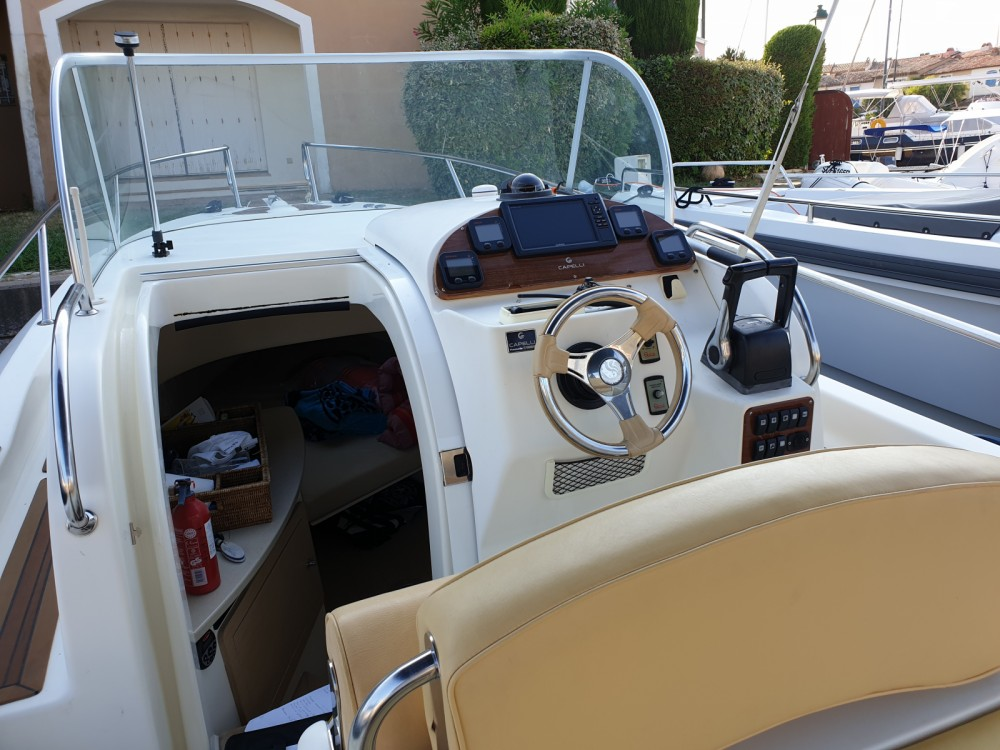 Boat rental Capelli Tempest 900 in Grimaud on Samboat