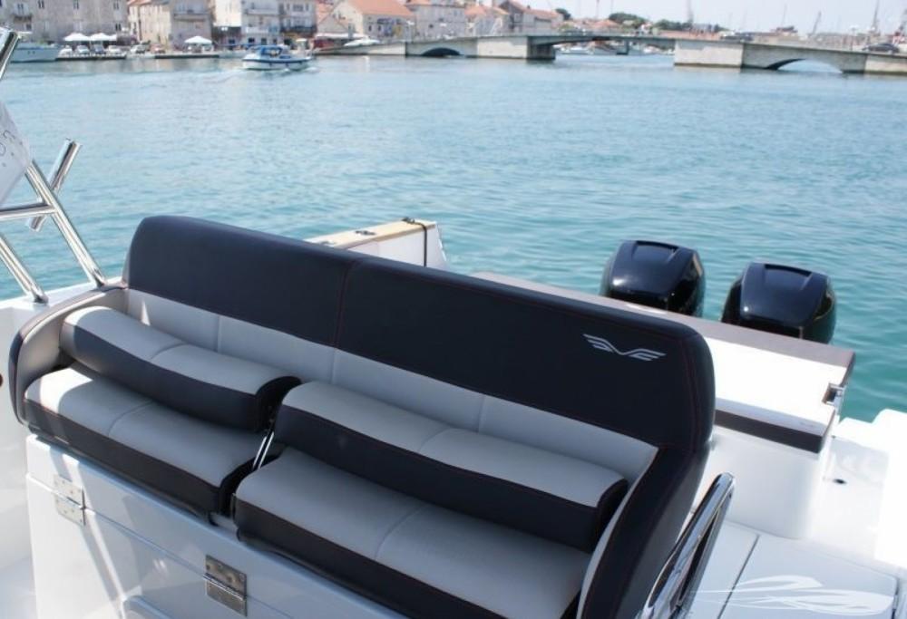 Rental Motorboat in Trogir - Bénéteau Flyer 8.8 SPACEdeck