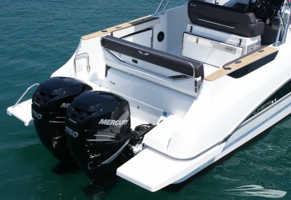 Rental yacht Trogir - Bénéteau Flyer 8.8 SPACEdeck on SamBoat