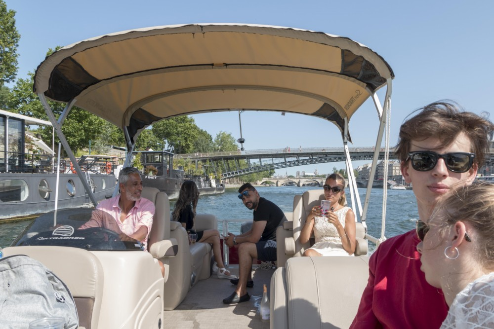 Hire Motorboat with or without skipper Suntracker Paris