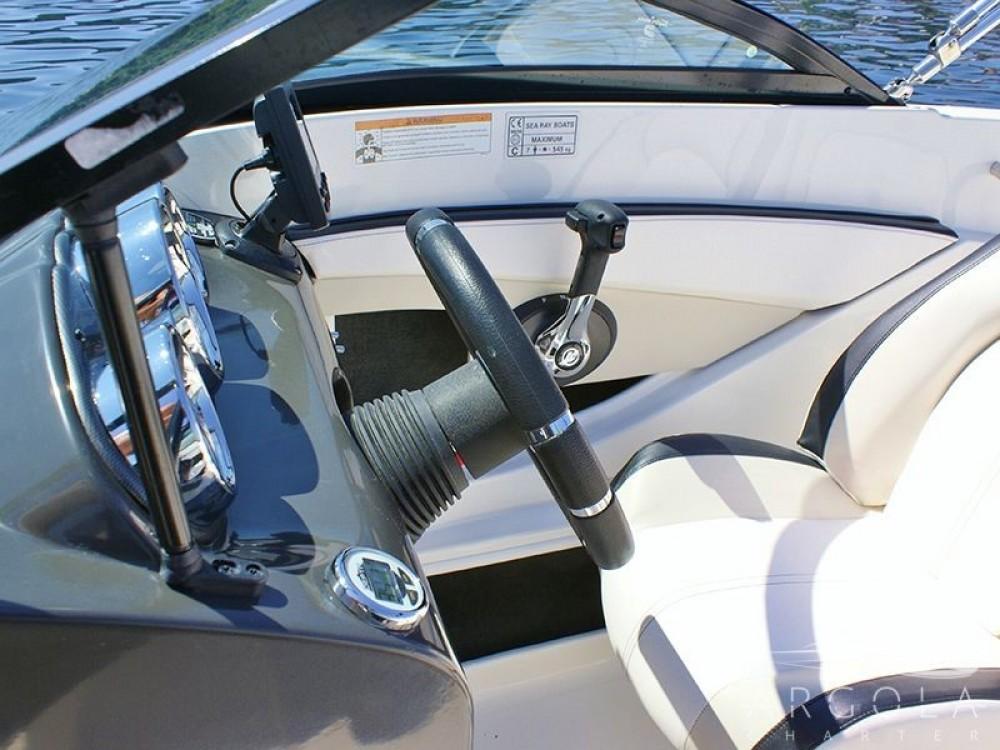 Boat rental Sea Ray Sea Ray 190 Sport in Trogir on Samboat
