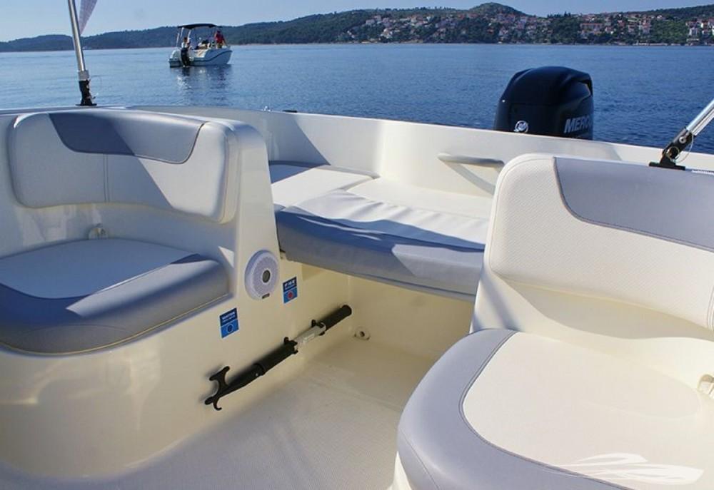 Boat rental Trogir cheap Element