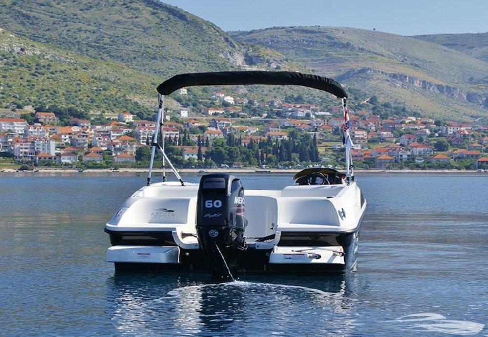 Hire Motorboat with or without skipper Bayliner Trogir