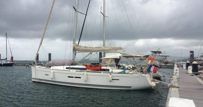 Rental Sailboat in Le Marin - Dufour 405 GL