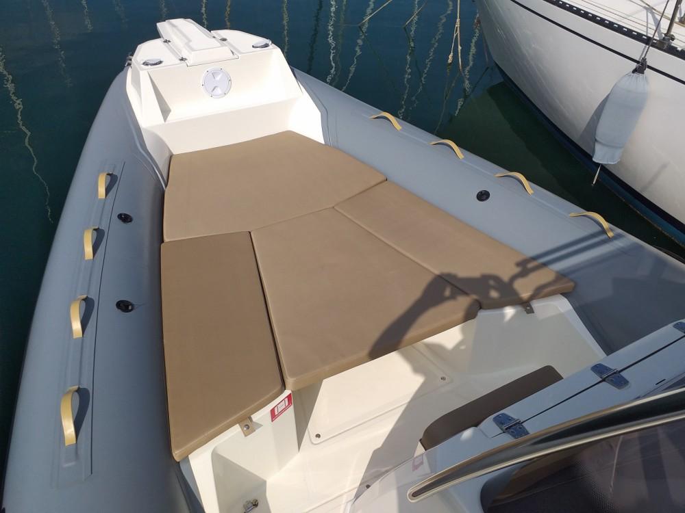 Rent a Nuova Jolly Sea fish 700 Salerno