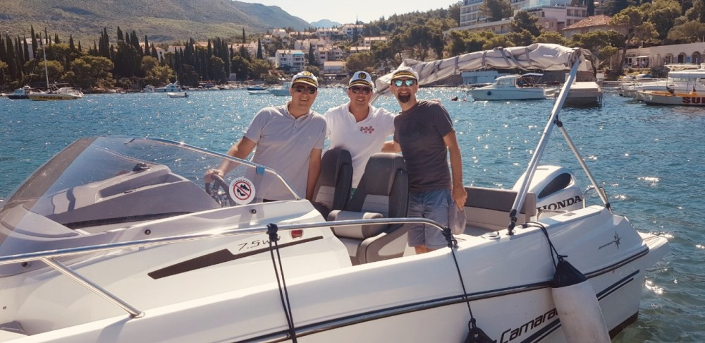 Hire Motorboat with or without skipper Jeanneau Cavtat
