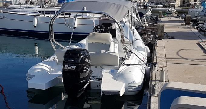Boat rental Sacs Sport 700 in Split on Samboat