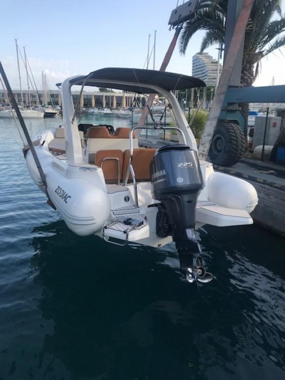 Boat rental Zodiac Medline 7.5 in Villeneuve-Loubet on Samboat