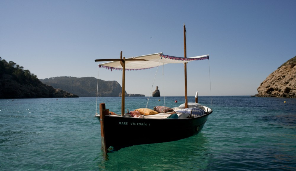 Hire Motorboat with or without skipper Llaut Balearic Islands
