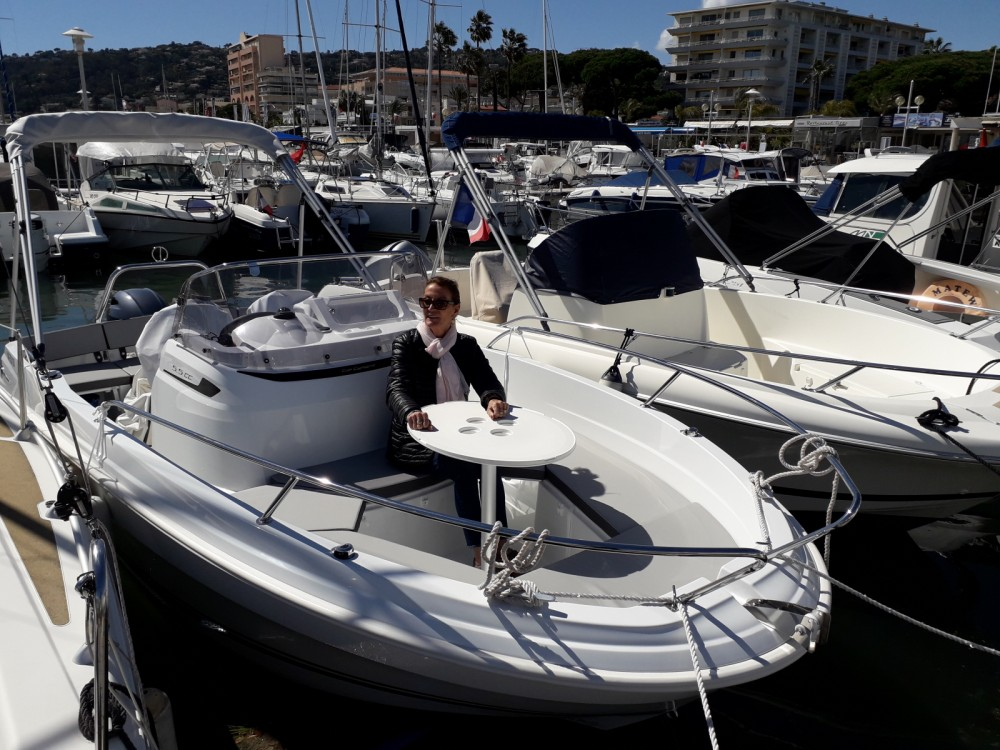 Jeanneau Cap Camarat 5.5 CC Serie 2 between personal and professional Antibes