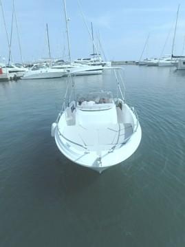 Rental Motorboat in Golfe-Juan - Jeanneau Cap Camarat 5.5 CC Serie 2