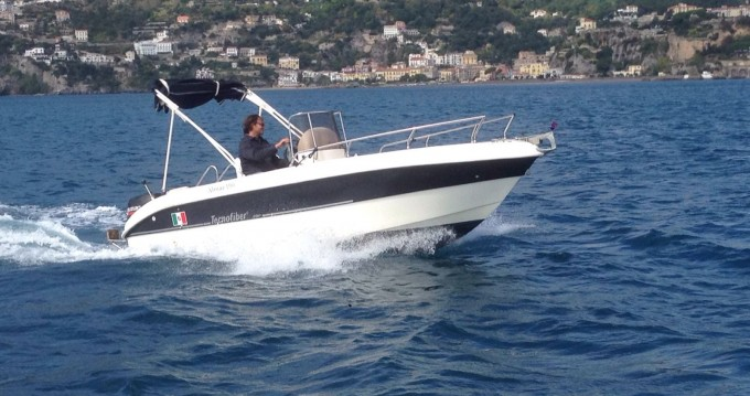 Rental Motorboat in Salerno - tecnofiber almar 190