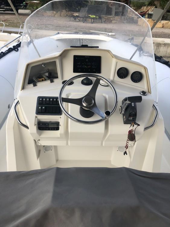 Boat rental Kelt Sea Hawk 265 in Saint-Florent on Samboat