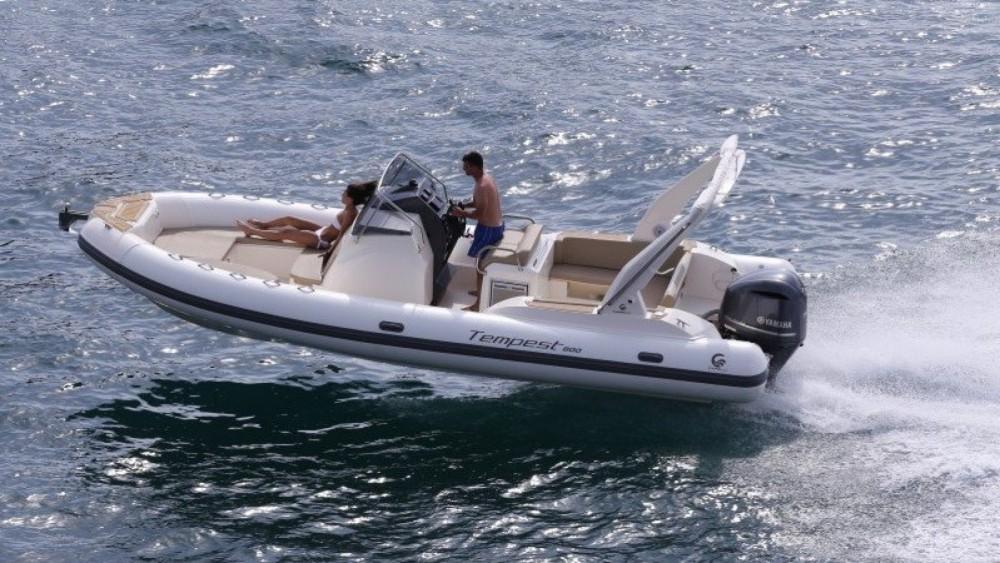 Boat rental Arcachon cheap Tempest 800
