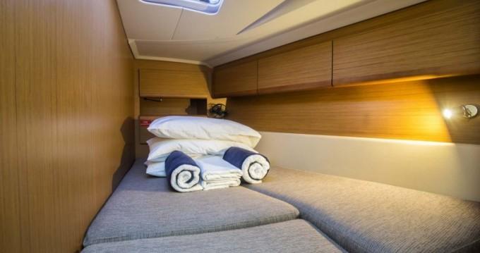 Rental yacht Skiathos - Jeanneau Sun Odyssey 49i on SamBoat