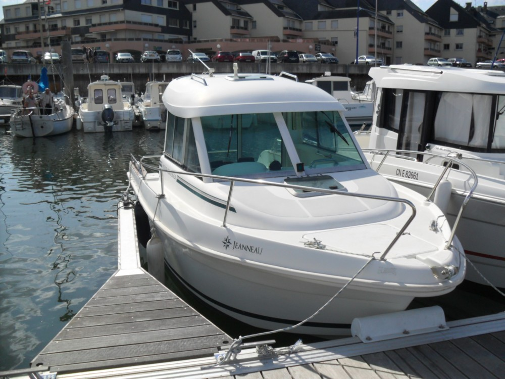Hire Motorboat with or without skipper Jeanneau Grandcamp-Maisy